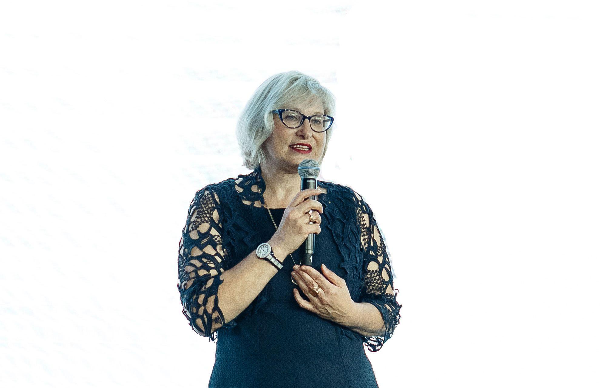 Лариса Никрасова-Штайн